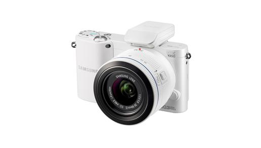 Samsung Electronics объявляет о начале общероссийских продаж Smart-фотокамер серии NX 2012 модельного года